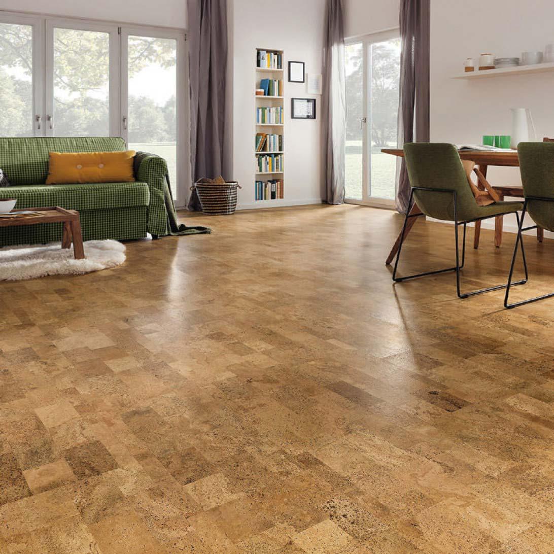 Коркова підлога в залі